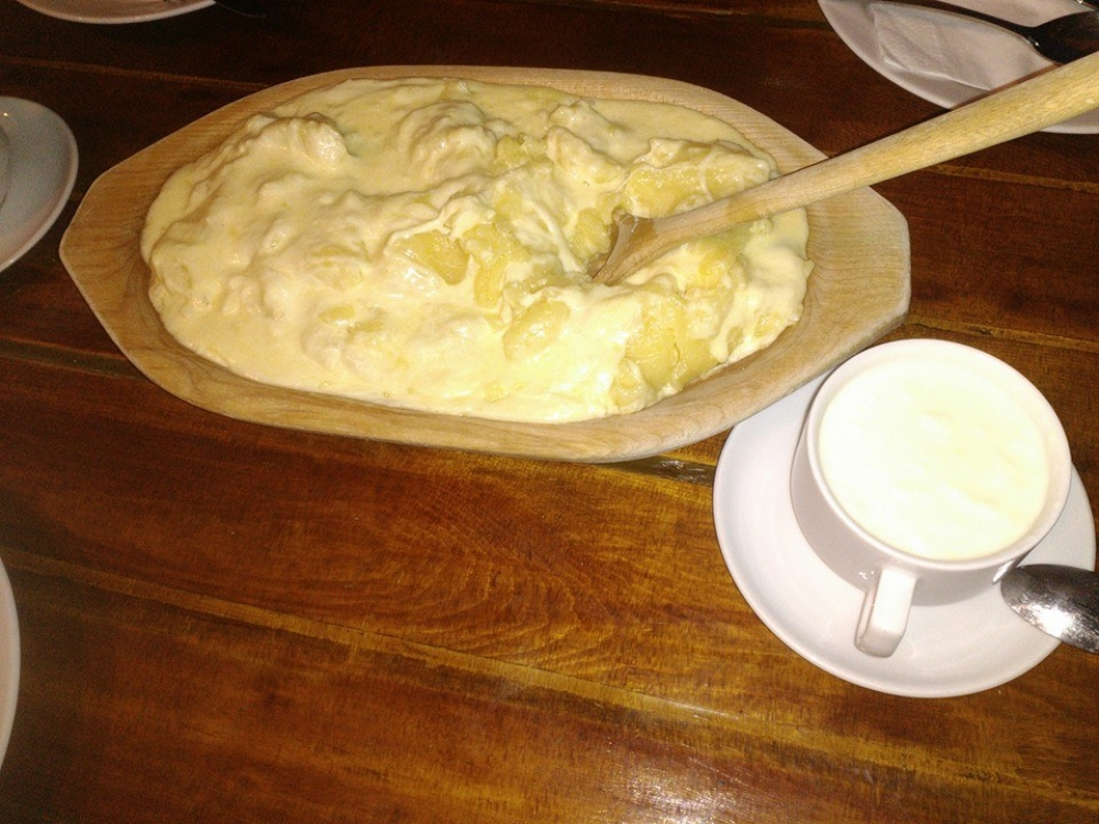 traditional dishes in Montenegro, kacamak