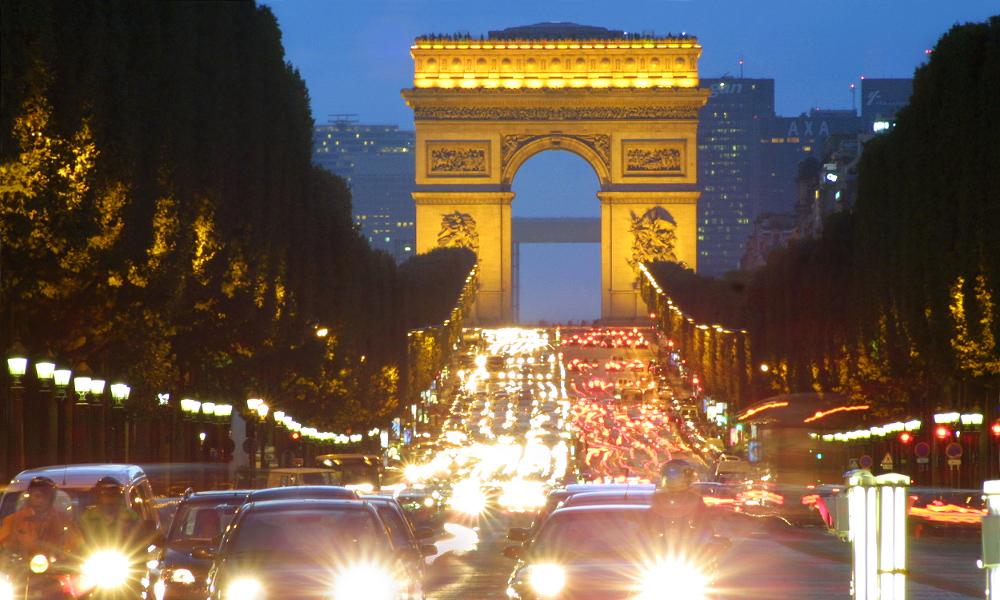 Pariz, putovanje 1. maj